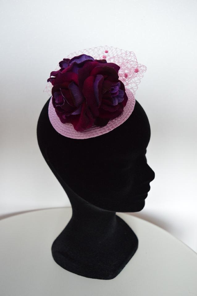 IMAGE - Lilac straw fascinator with purple velvet finish roses and pink net.