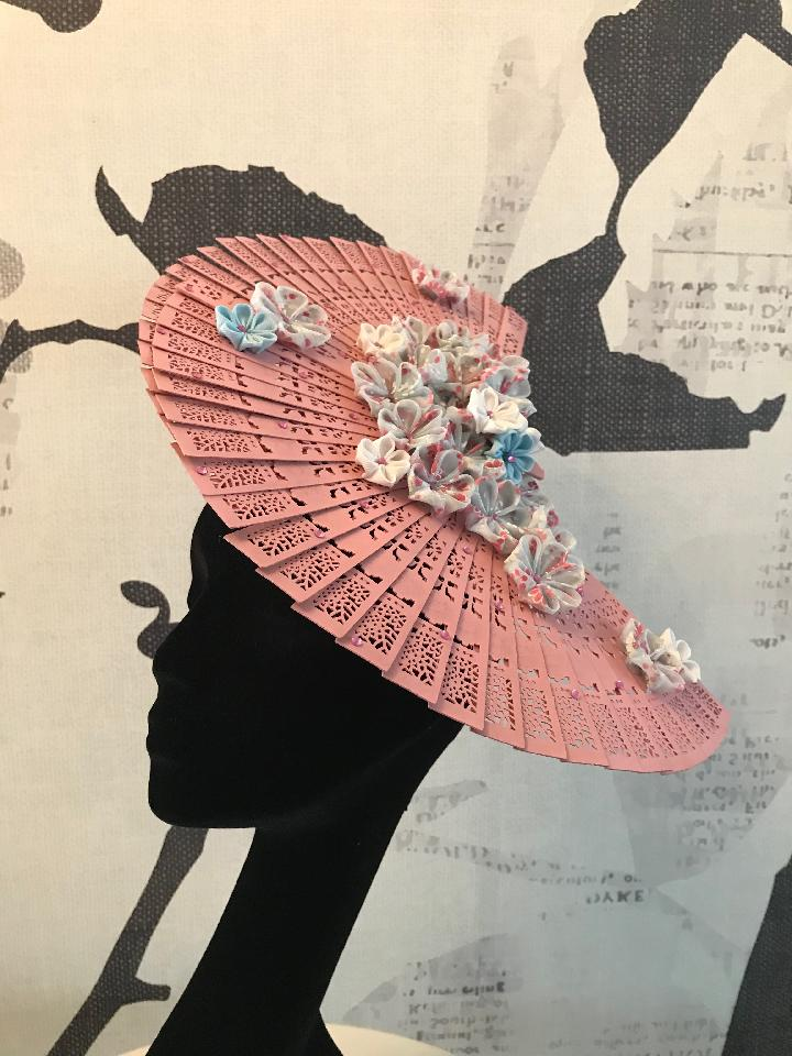 IMAGE - White headband with two pink sandalwood fans. Decorated with handmade blue and white organza kanzashi flowers. Finished with pink rhinestones. 