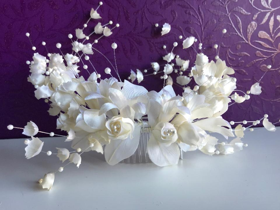 IMAGE - Large vintage bridal hairpiece.